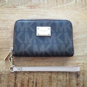 Michael Kors Essential Zip Wallet / Wristlet